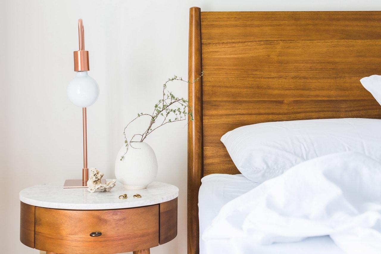 Sypialnia na poddaszu – jak ją urządzić?
