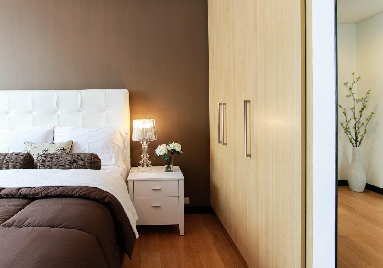 Łóżko i rola zagłówka
